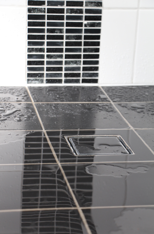 Wet room floor